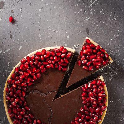 crostata ganache cioccolato e melograno