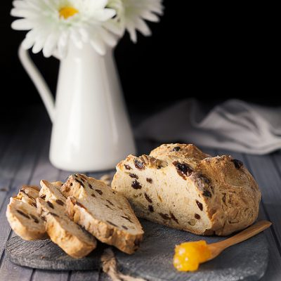 irish soda bread uvetta e pinoli